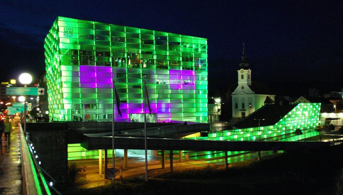 Luz-LED-edificios-ejemplos