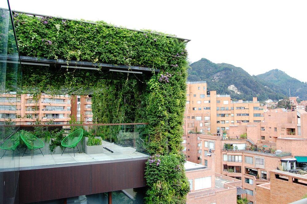 jardines-verticales-altos-mundo-bogota-santalaia