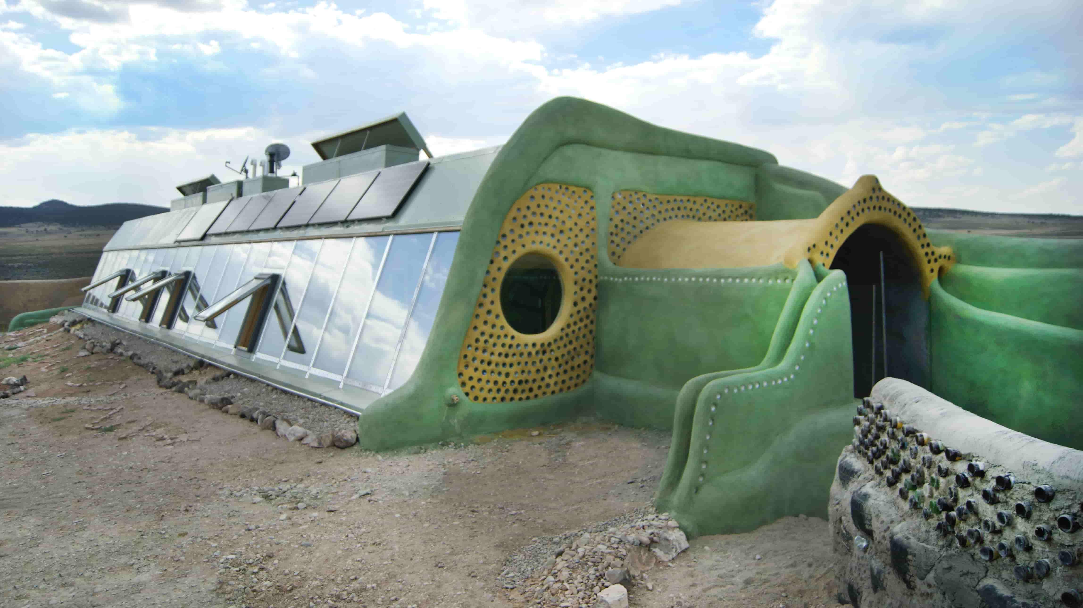 arquitectura-ecologica-earthship-exterior
