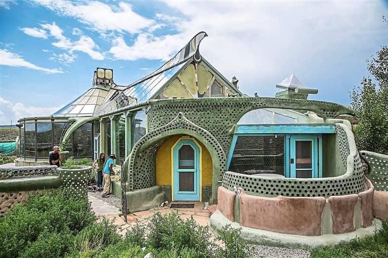 casas-sostenibles-originales-basura-arquitectura
