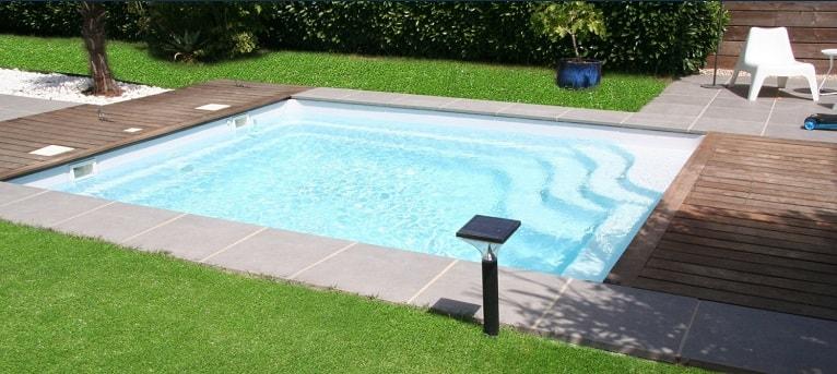 poliester-piscina-exterior