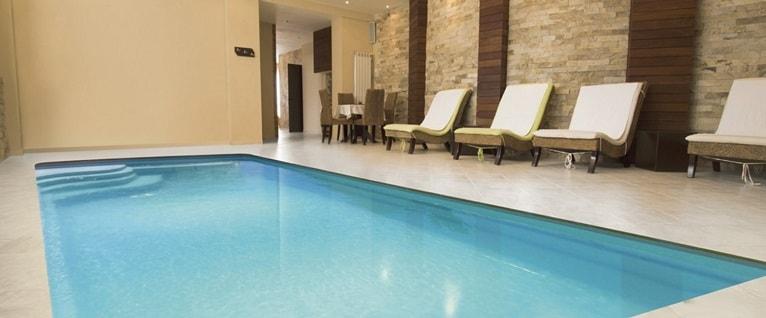poliester-piscina-interior