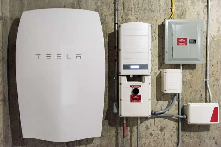 bateria-fotovoltaica-almacenar-energia-tesla