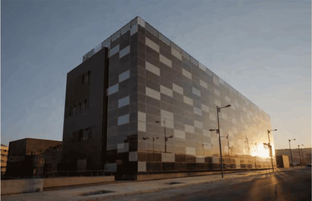 vidrio-fotovoltaico-fachada