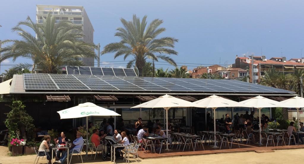 autoconsumo-fotovoltaico-espana-restaurante-energia-renovable-edificios