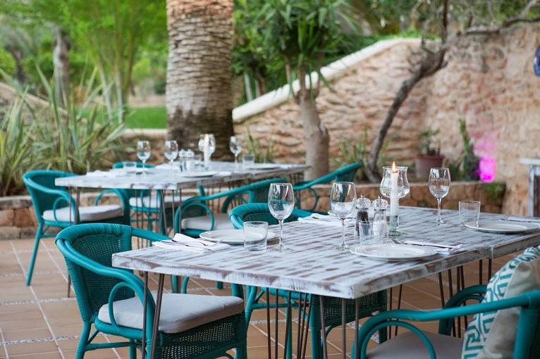 autoconsumo-fotovoltaico-restaurante-aislado