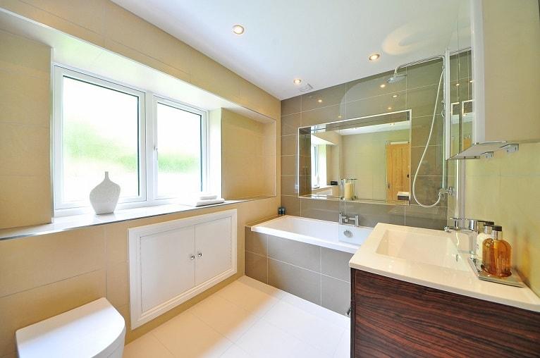 bricolaje-ahorrar-agua-baño