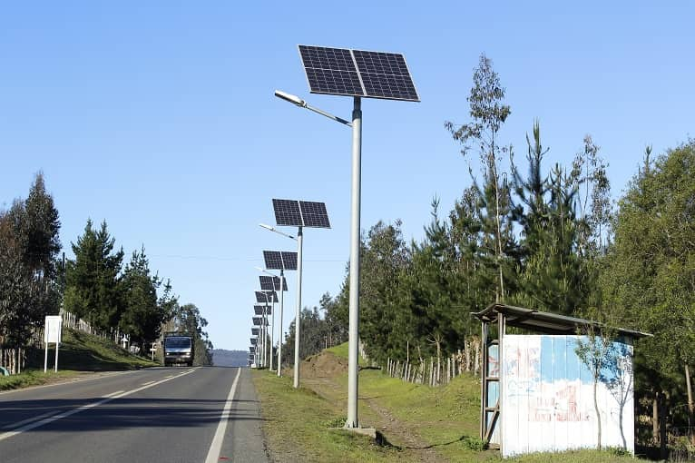 farolas-solares-alternativa-iluminacion-convencional