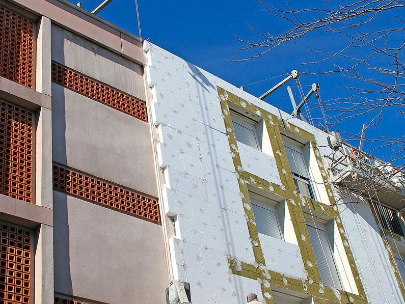 ahorro-energia-aislamiento-termico-fachada