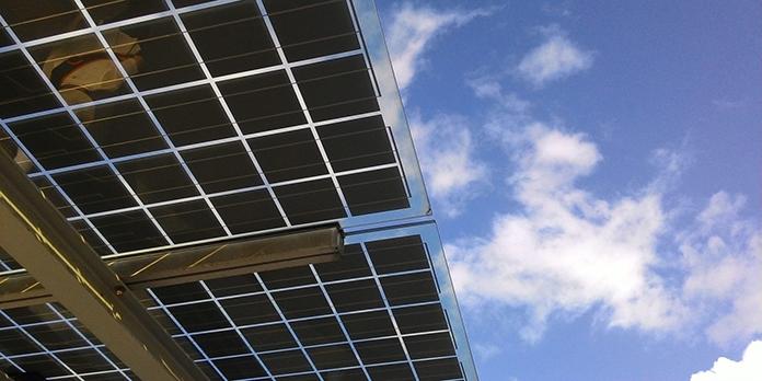 panel-solar-bifacial-que-es-ventajas-precios