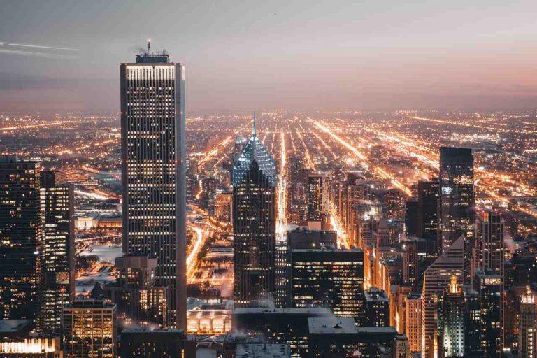 escena-urbana-muy-iluminada