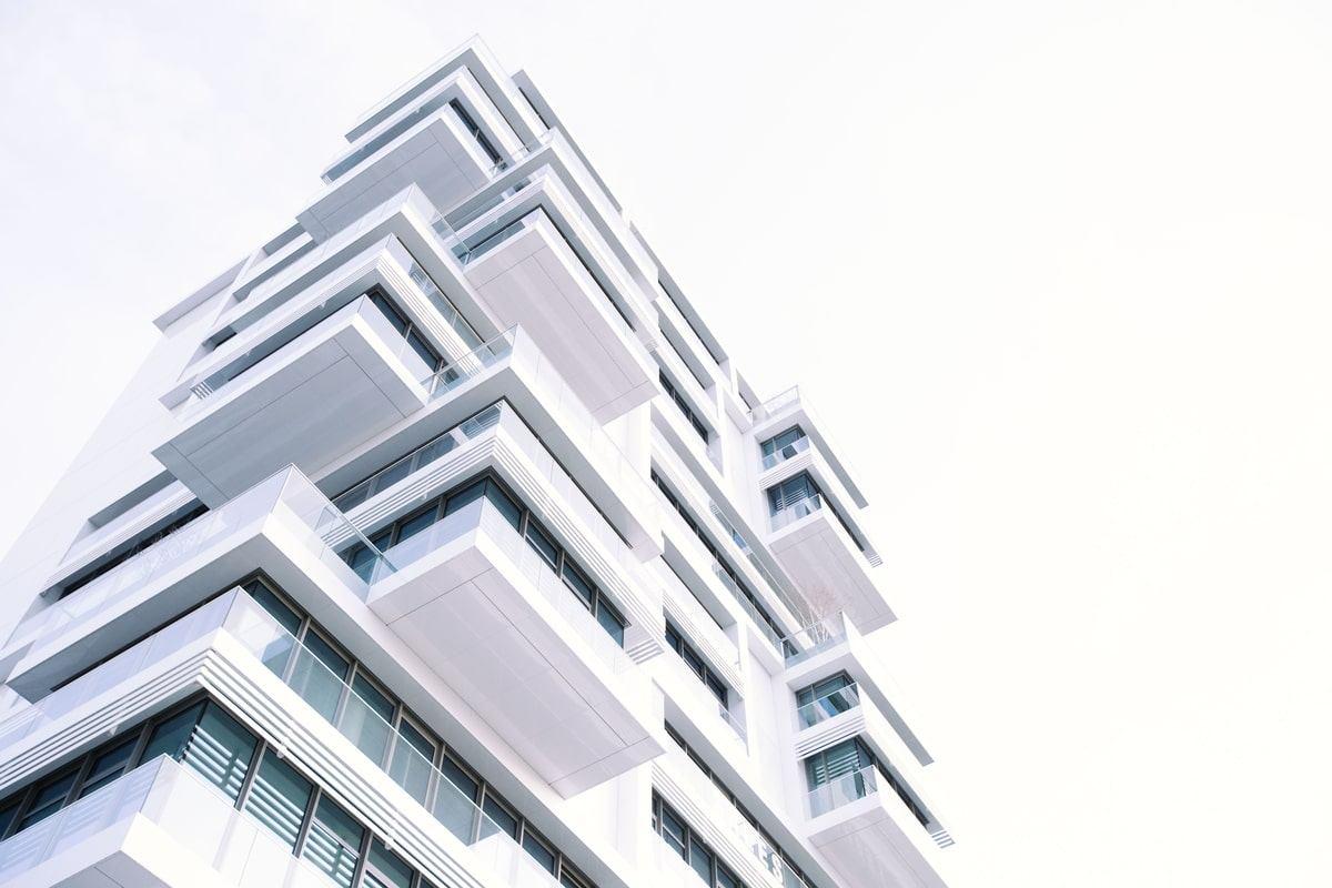 fachada-balcones-edificio-moderno