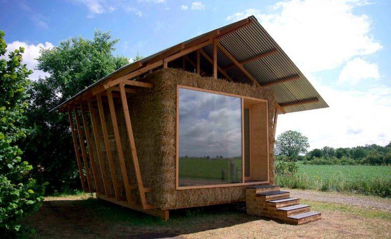 fachada-casa-ecológica-balas-paja