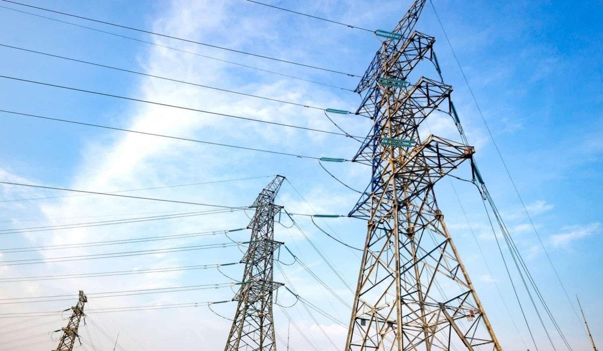 ahorrar-factura-luz-torres-electricas