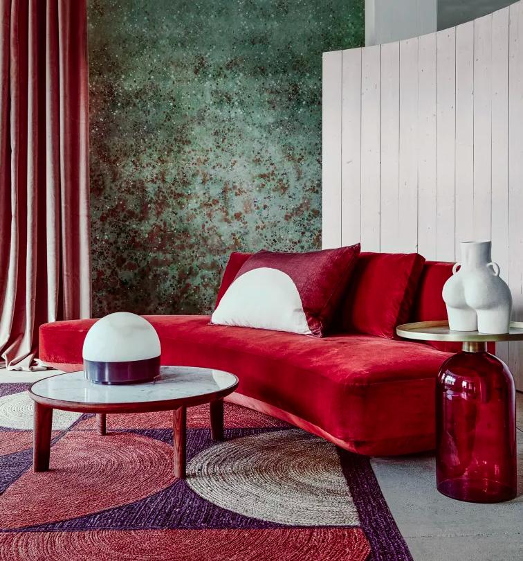 lineas-curvas-sofa-rojo