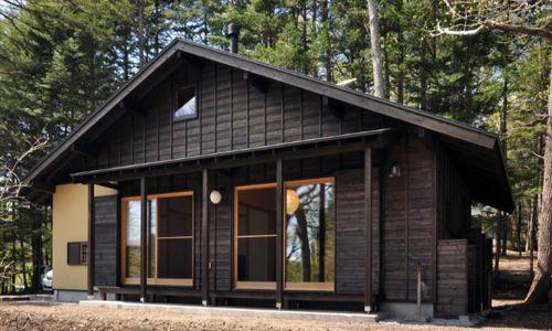 casa-prefabricda-madera-oscura