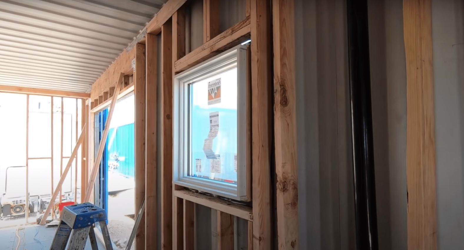 ventana-construccion-casa-container