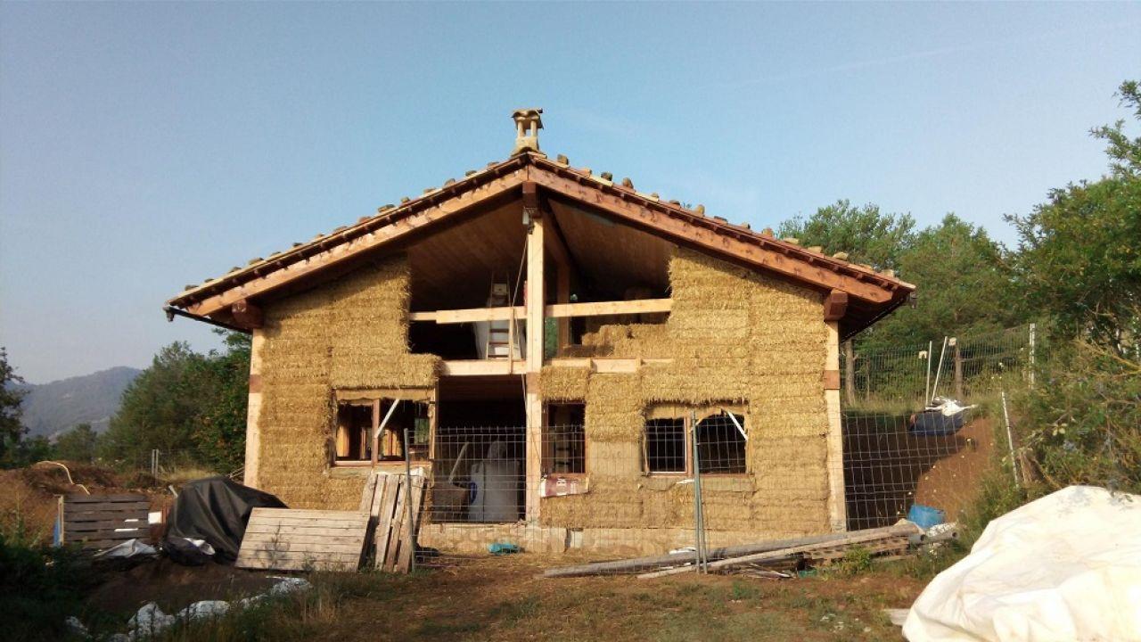 estructura-casa-paja-ladrillos
