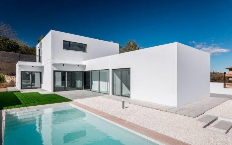 casa-industrializada-blanca-piscina